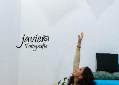imagen-estudio-fotografico-cuernavaca-fotografo-modelo-book-hilda-cojin-rojo