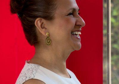 imagen-estudio-fotografico-cuernavaca-fotografo-modelo-book-gaby-fondo-rojo