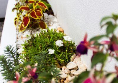 Detalle-08-dia-detalle-jardinera-pasillo