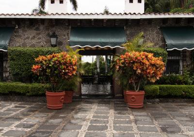 fotografo-cuernavaca-javier-fotografia-sesion-inmobiliaria-bienes-raices-acceso-patio