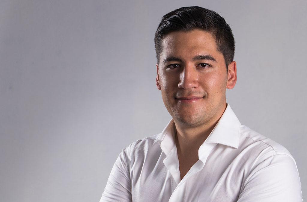 imagen-fotografo-cuernavaca-sesion-perfil-ejecutivo-ivan-perfil-redes-sociales-destacada